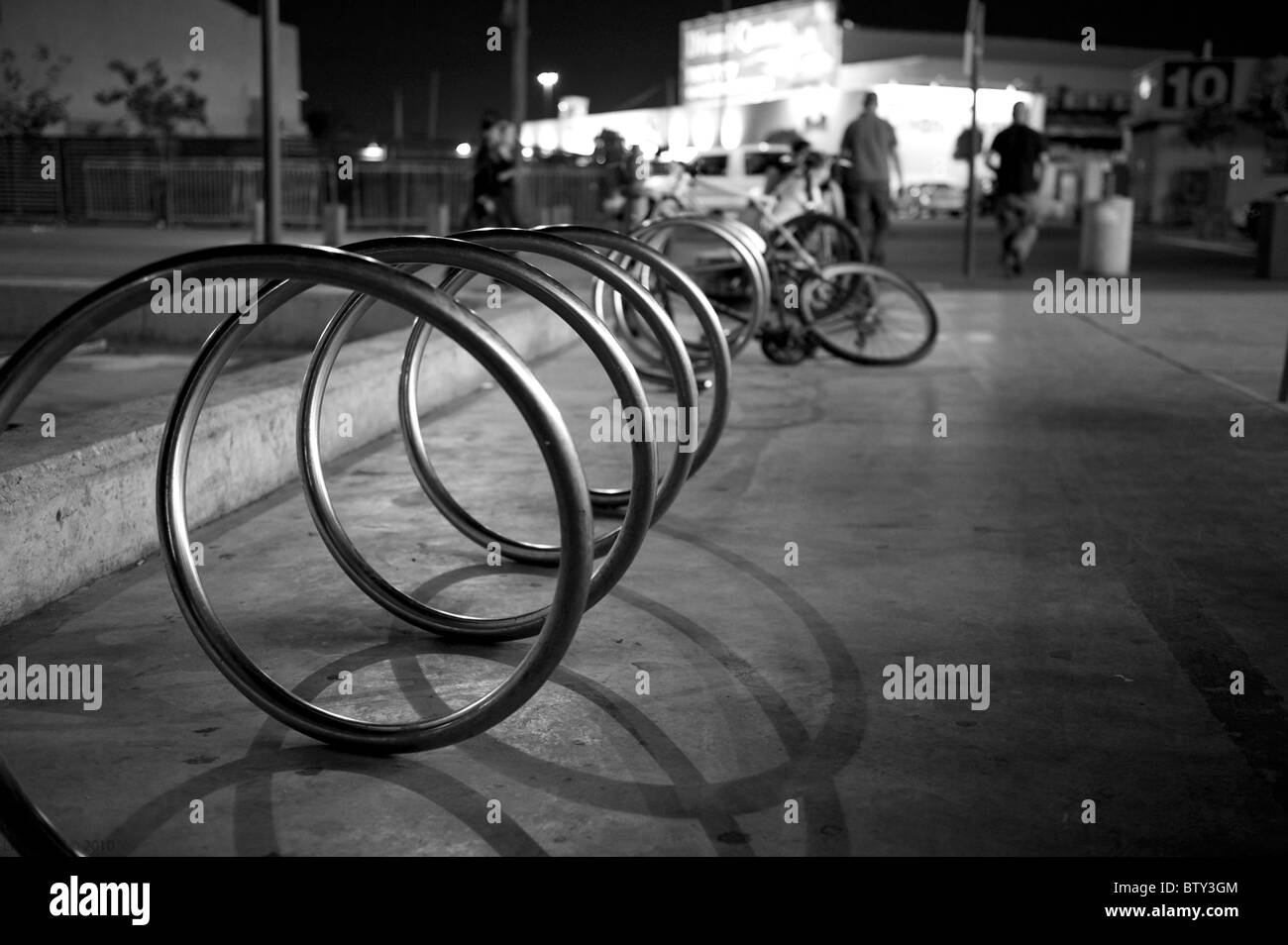 A bicycle stand at Tel-Aviv harbor - Stock Image