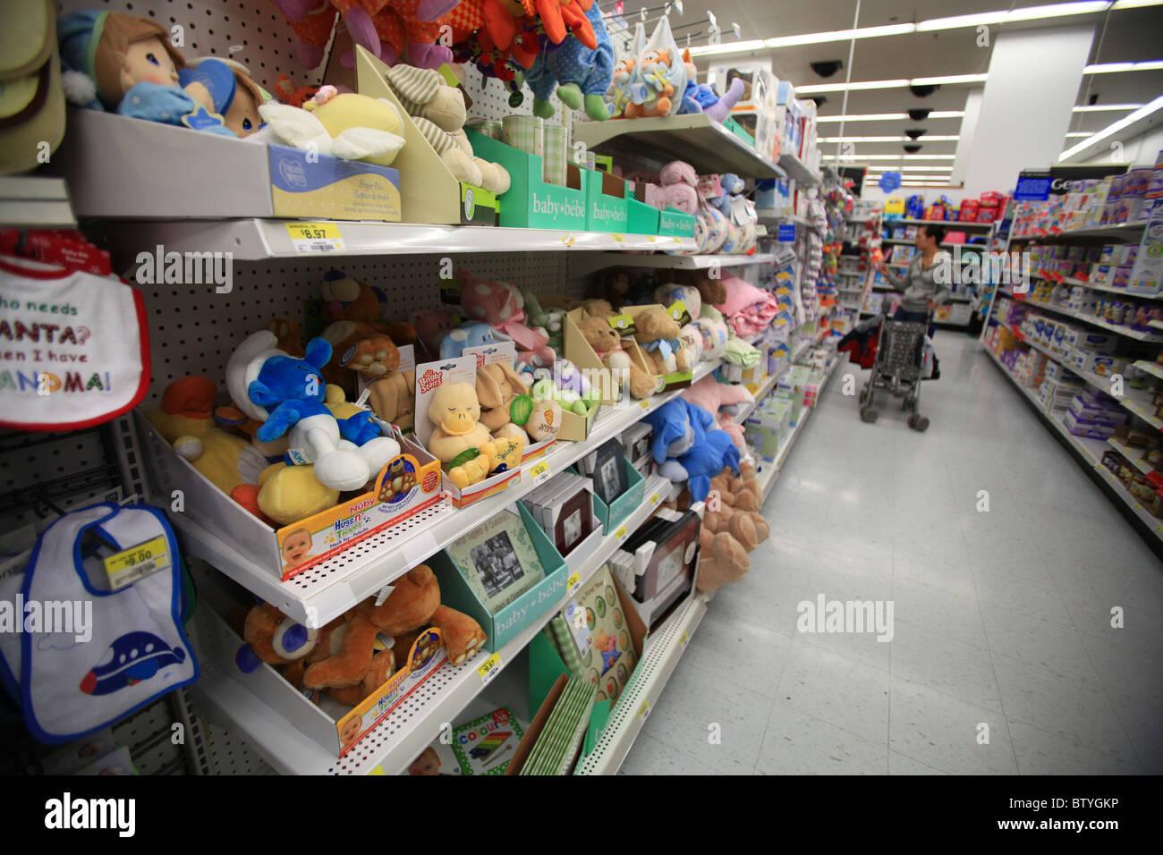 Walmart Wal Mart Shopping Cart Stock Photos & Walmart Wal Mart ...