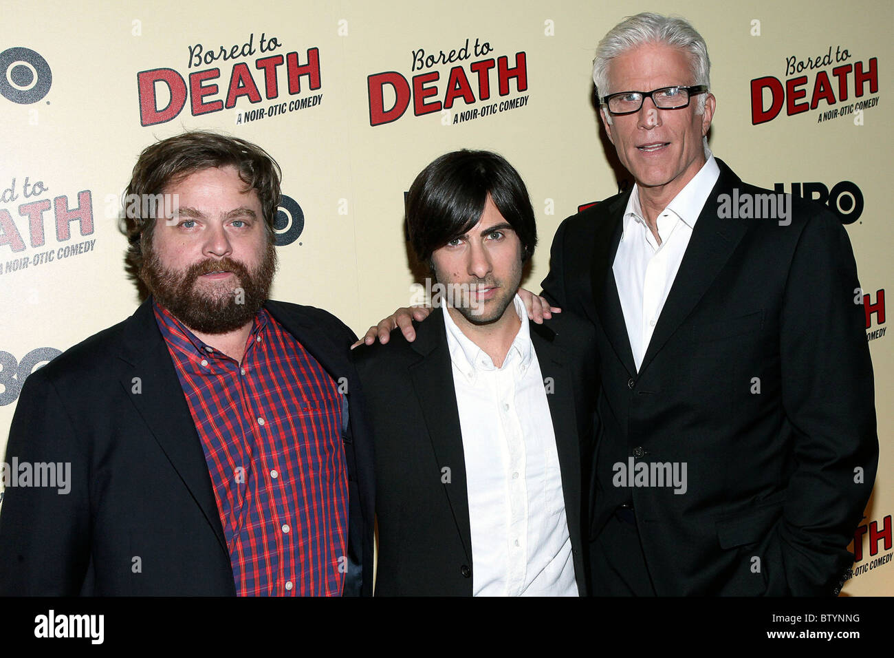 Ted Danson And Zach Galifianakis High Resolution Stock Photography And Images Alamy