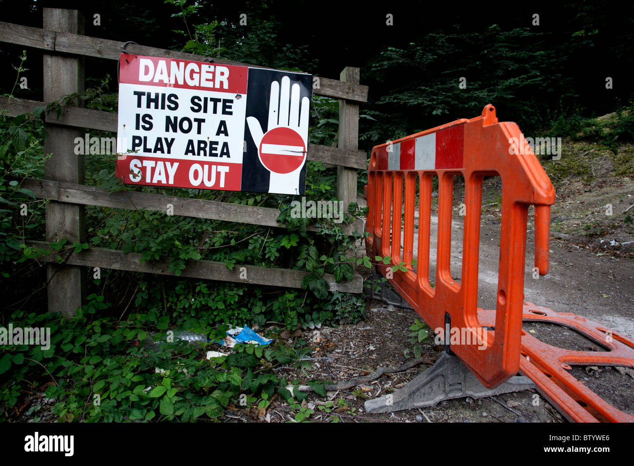 Danger this site is not a play area, stay out sign on the outskirts of Brighton, East Sussex, UK. - Stock Image