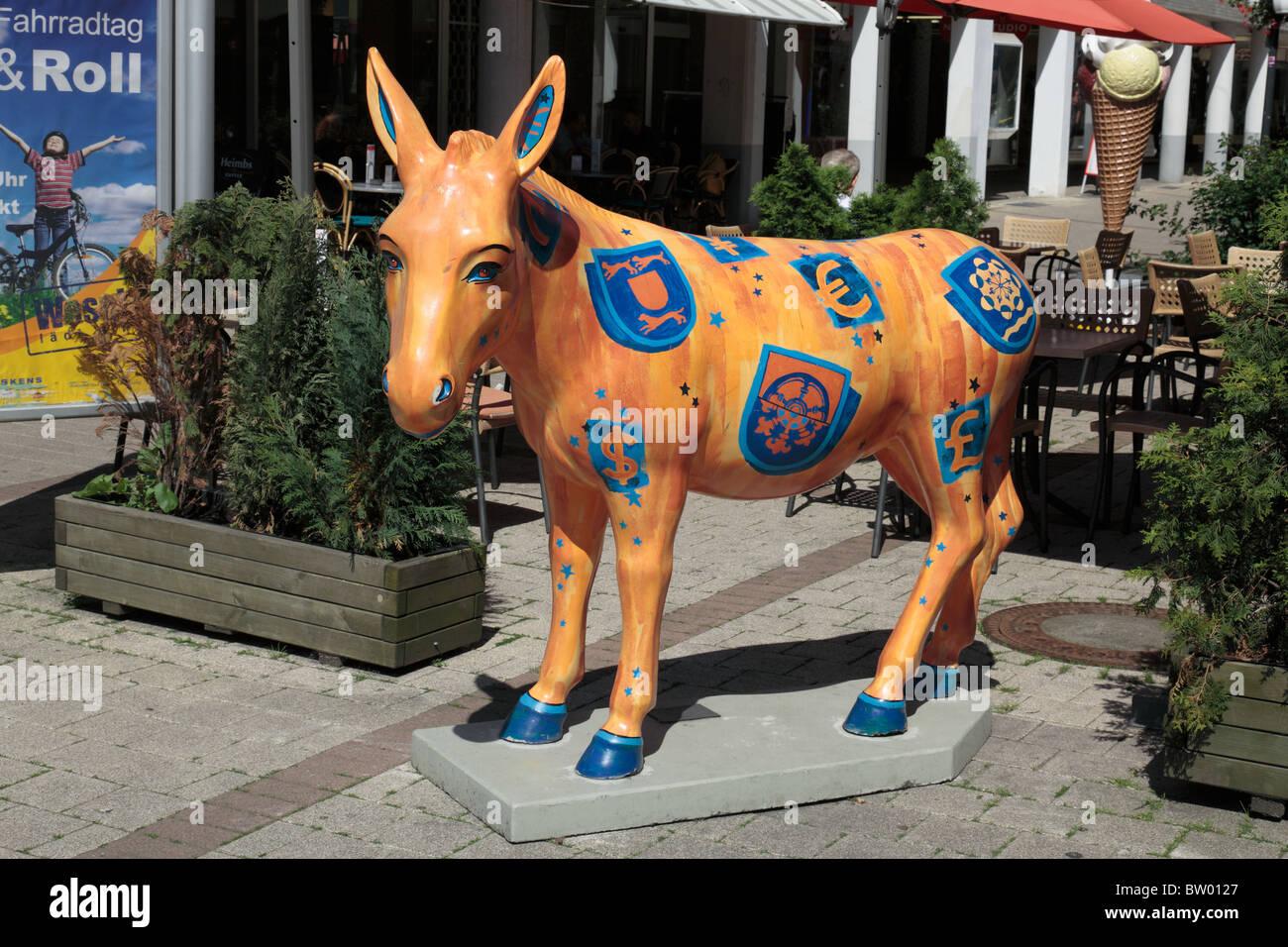 D-Wesel, Rhine, Lower Rhine, North Rhine-Westphalia, NRW, donkey of Wesel, donkey scupture, symbol of city advertising - Stock Image
