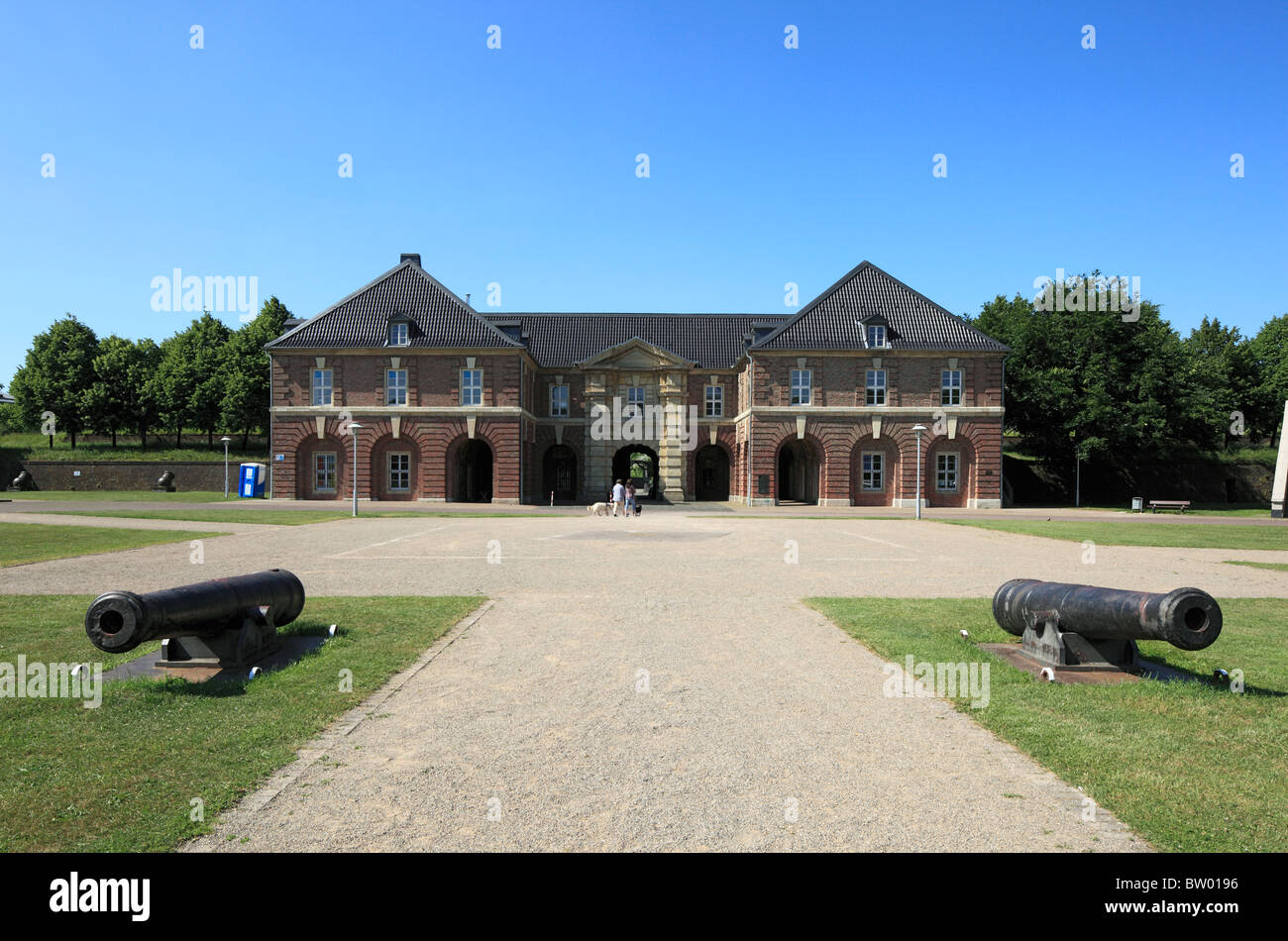 Haupttor der Zitadelle und Kanonen, Wesel, Niederrhein, Nordrhein-Westfalen Stock Photo