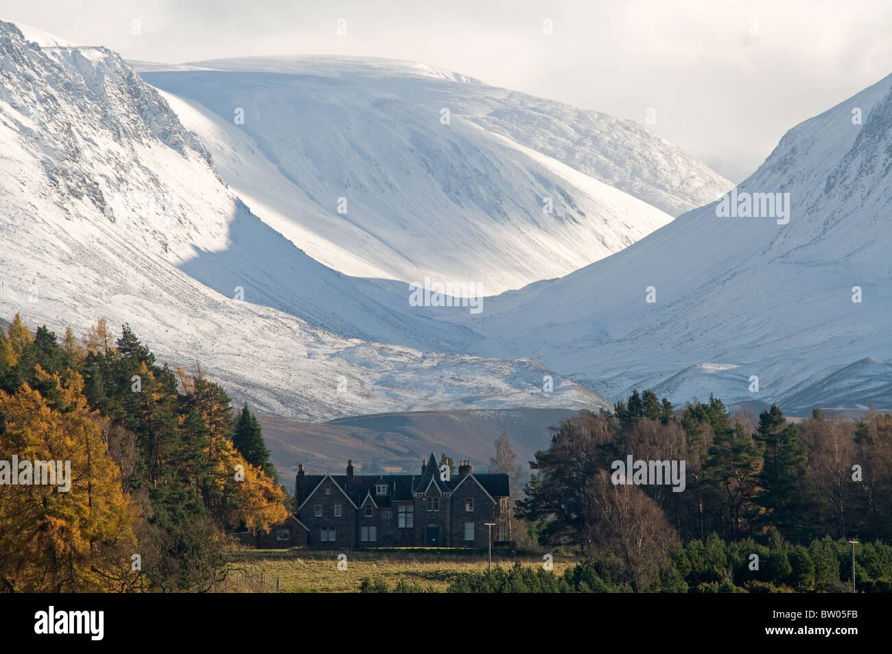 Drumintoul Lodge Rothiemurchus Aviemore, beneath the Lairig Ghru Pass in the Cairngorms. SCO 6983 Stock Photo