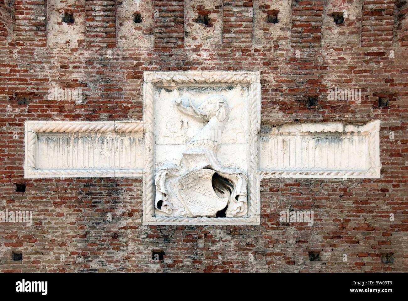 Healdic sheild on the  front of Fortezza Malatesta, Rimini, Emilia-Romagna, Italy - Stock Image