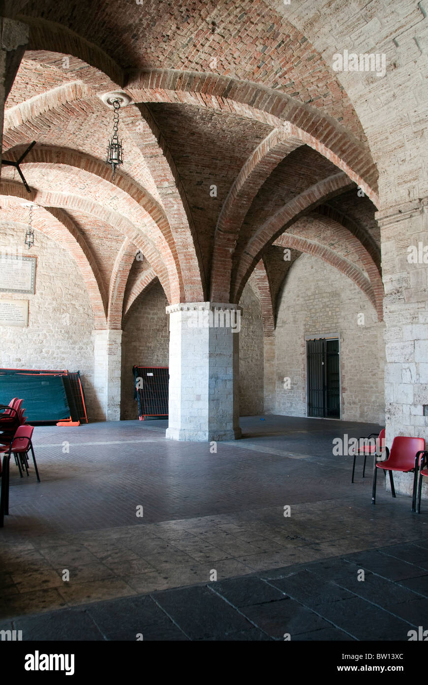 Cross vaults under the town hall of Todi Umbria - Stock Image