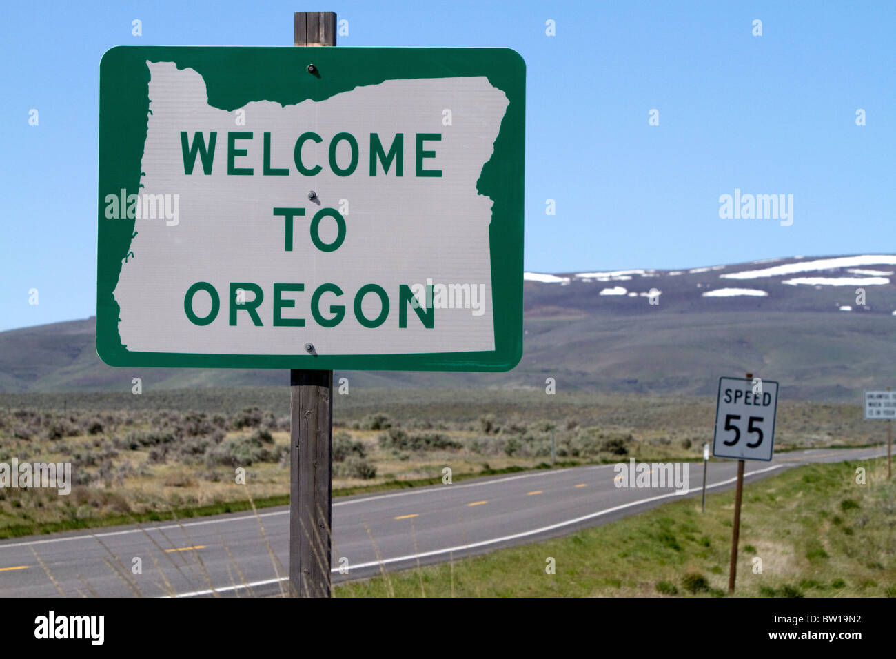 Welcome to Oregon road sign along U.S. Highway 95 at the Idaho/Oregon state border, USA. - Stock Image