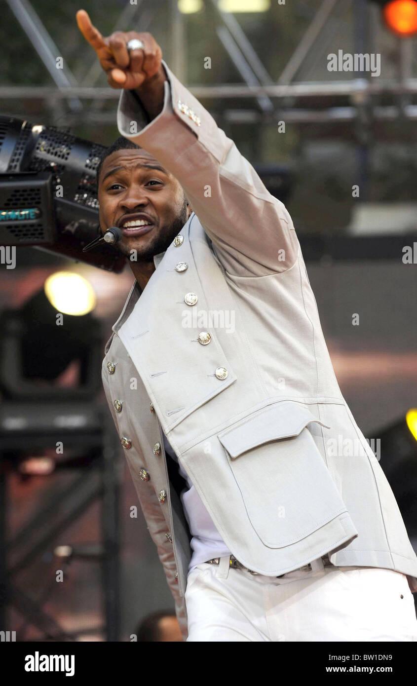 Abc Gma Concert With Usher Stock Photo 32609509 Alamy