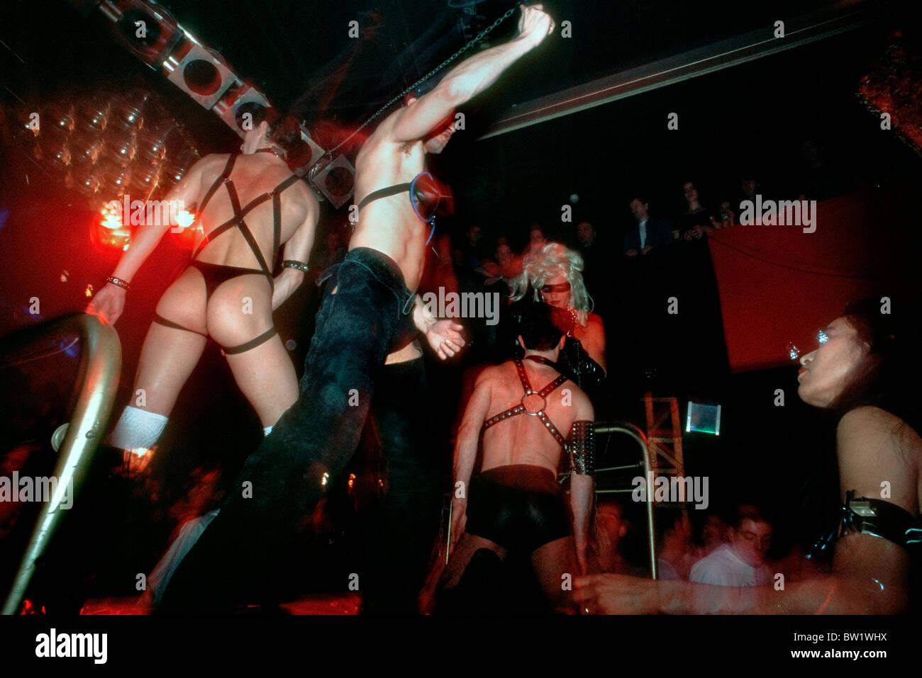 Live sex show in paris