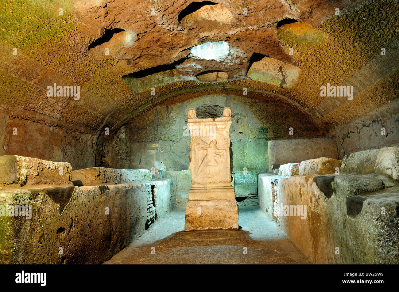 Altar of Mithras within the Triclinium, The Mithraic area, Basilica San Clemente - Stock Image