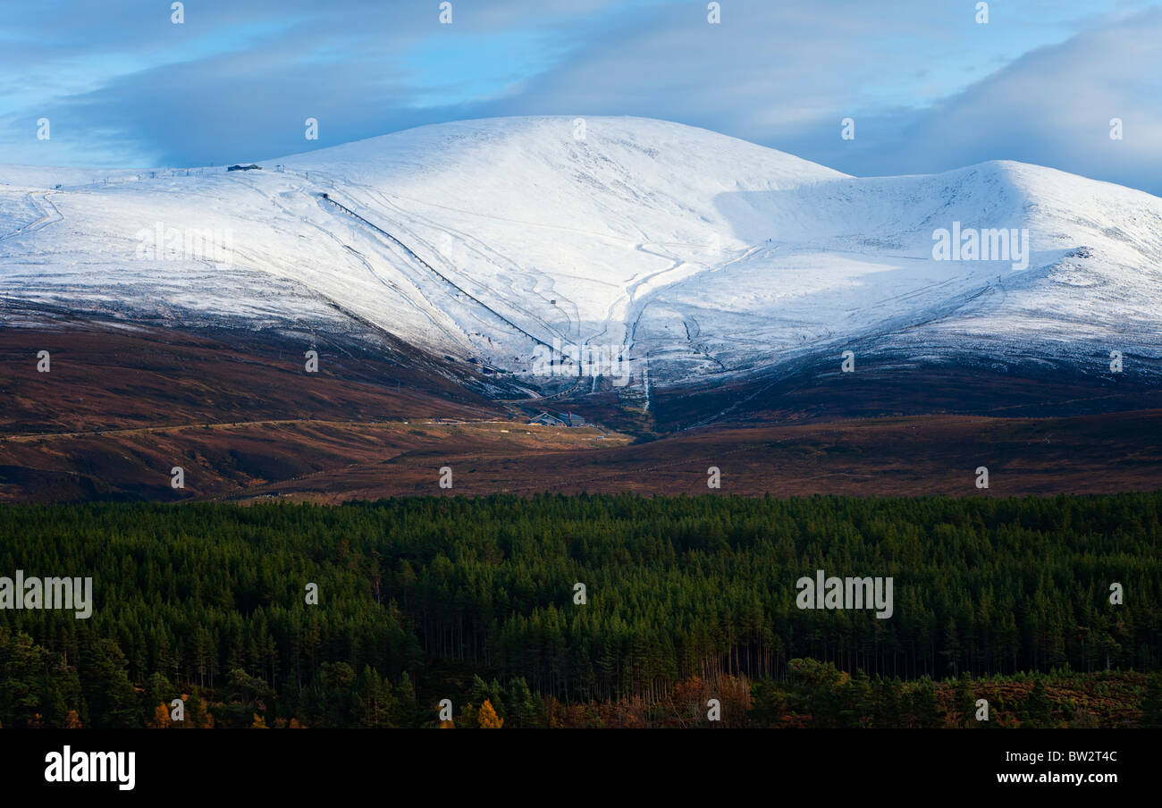 Cairngorm and the An Coire Cas ski area. - Stock Image