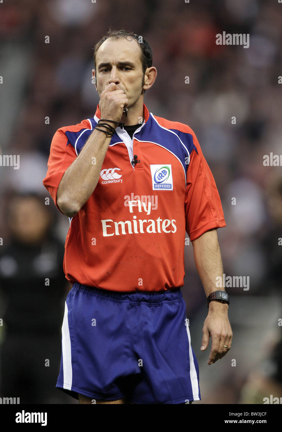 Romain Poite French Rugby Union Referee Twickenham Middlesex England Stock Photo Alamy