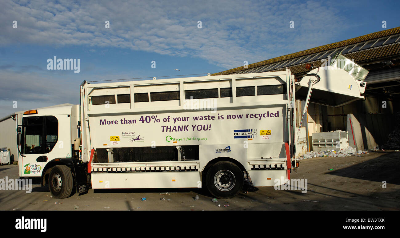 Shepway District Council's recycling collection waggon empties it's cargo at the Folkestone Waste Centre, - Stock Image