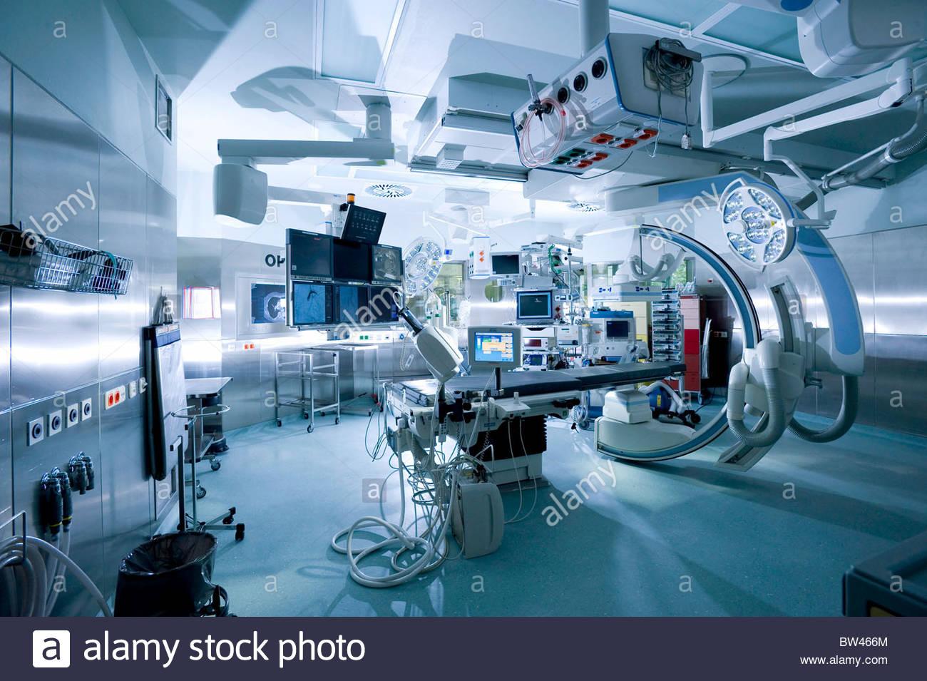 Hybrid operating room Stock Photo 32669468 Alamy