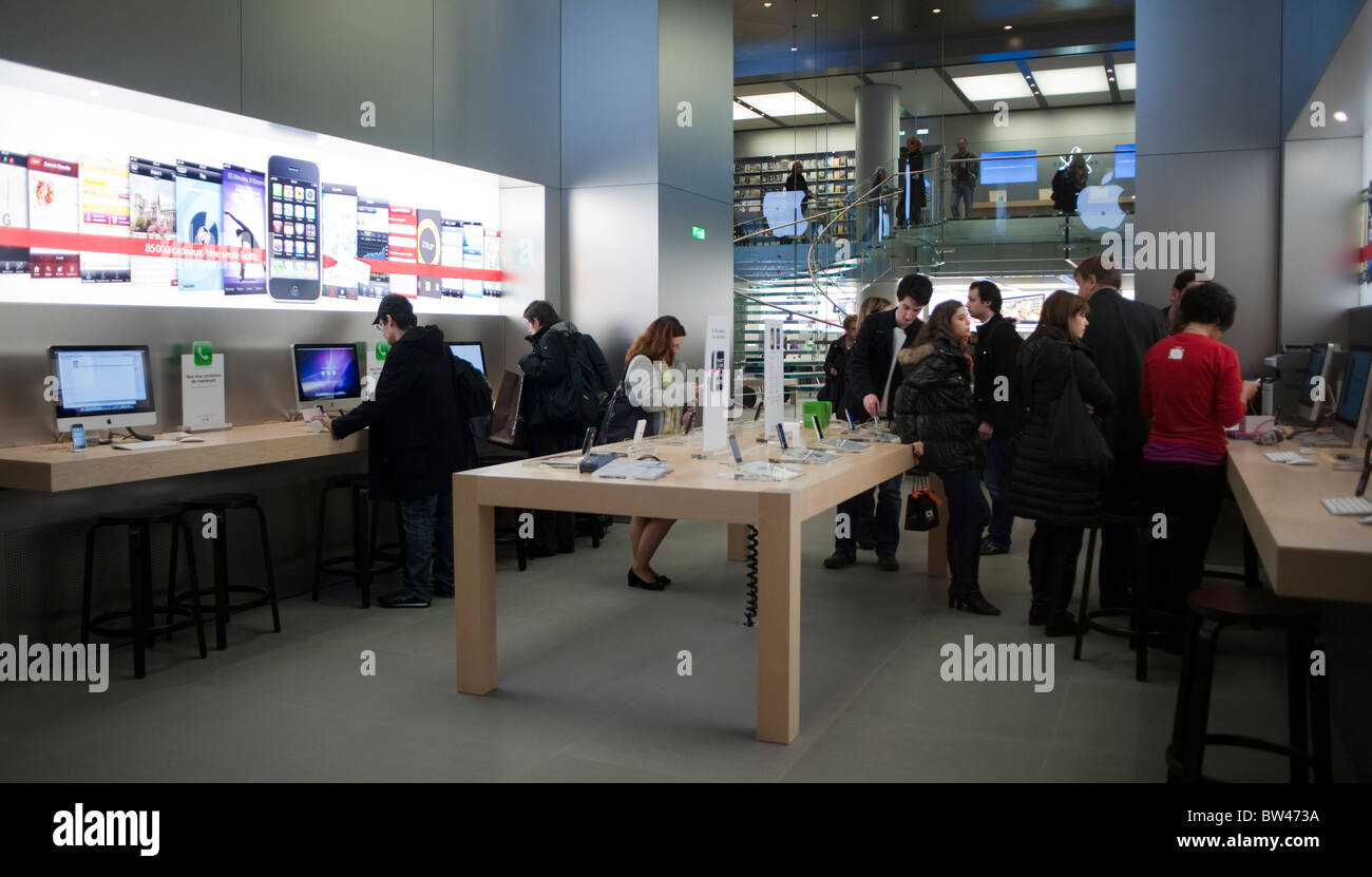 apple store people shopping computers stock photos apple store people shopping computers stock. Black Bedroom Furniture Sets. Home Design Ideas