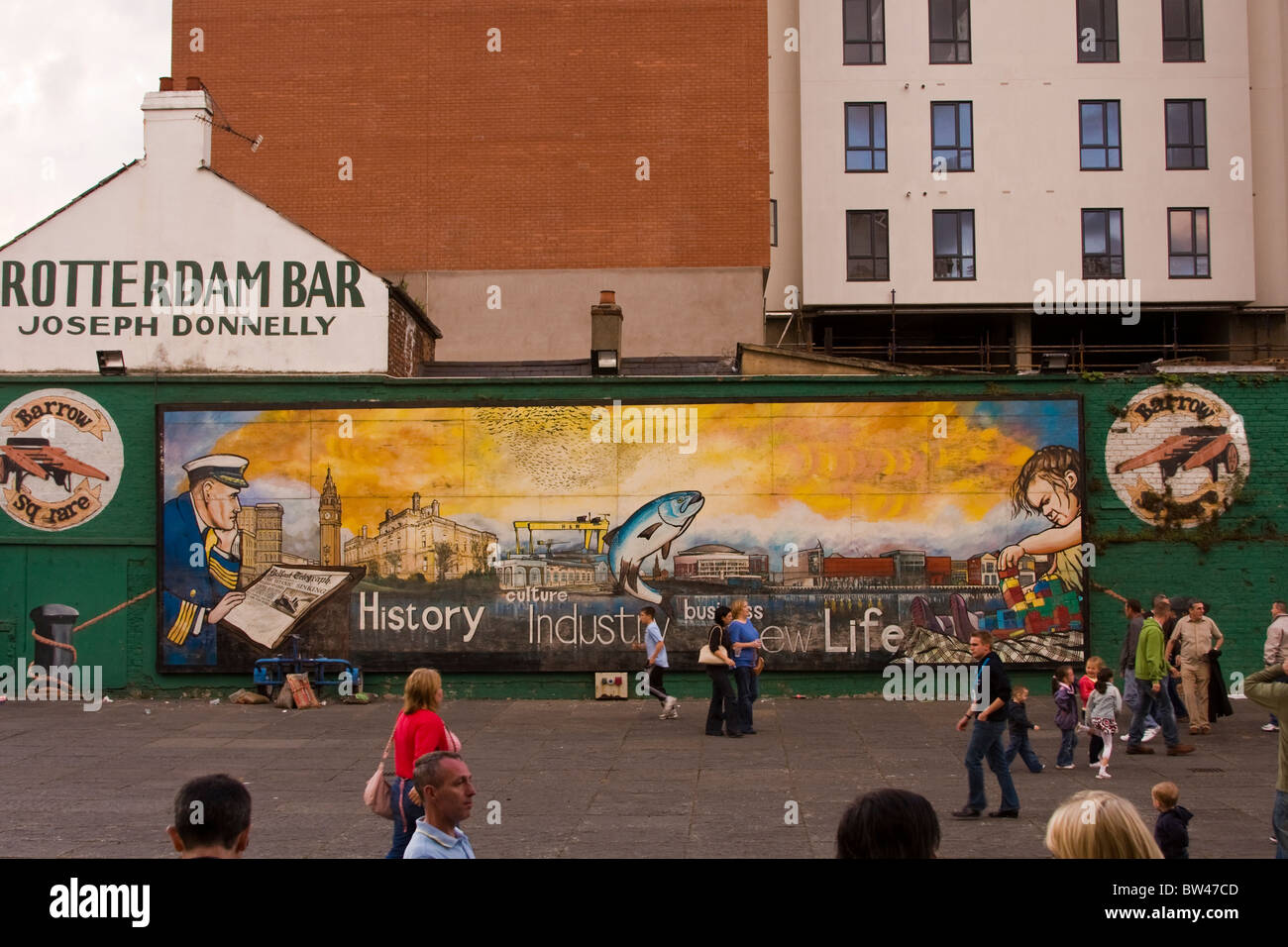 Mural on gable wall of the Rotterdam Bar in Belfast Northern Ireland - Stock Image
