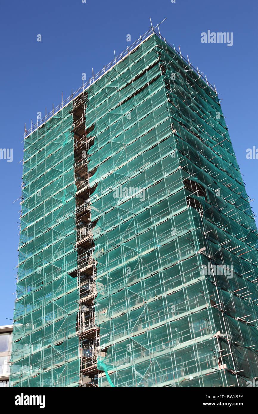 Scaffolding on a construction site in a U.K. city. - Stock Image