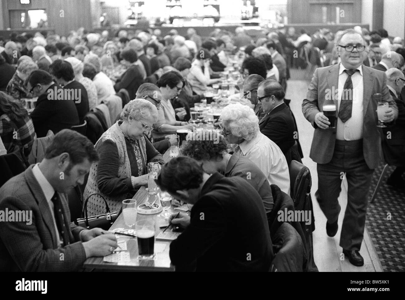 Coventry working mens club saturday night after the bingo evening entertainment 1980s england 80s