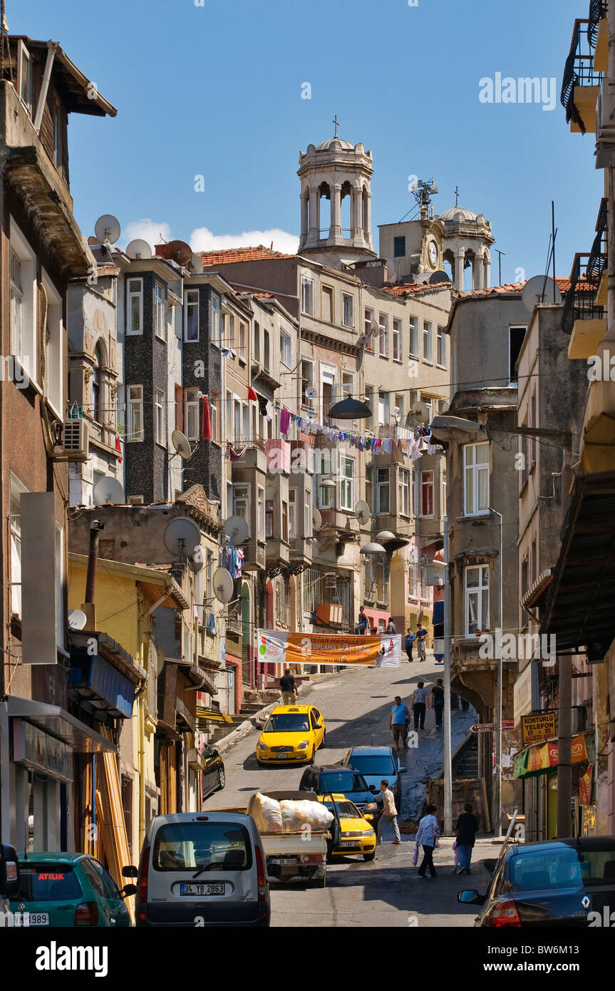 Clotheslines hanging from roofs, slums,Tarlabasi,Beyoglu, Istanbul, Turkey - Stock Image