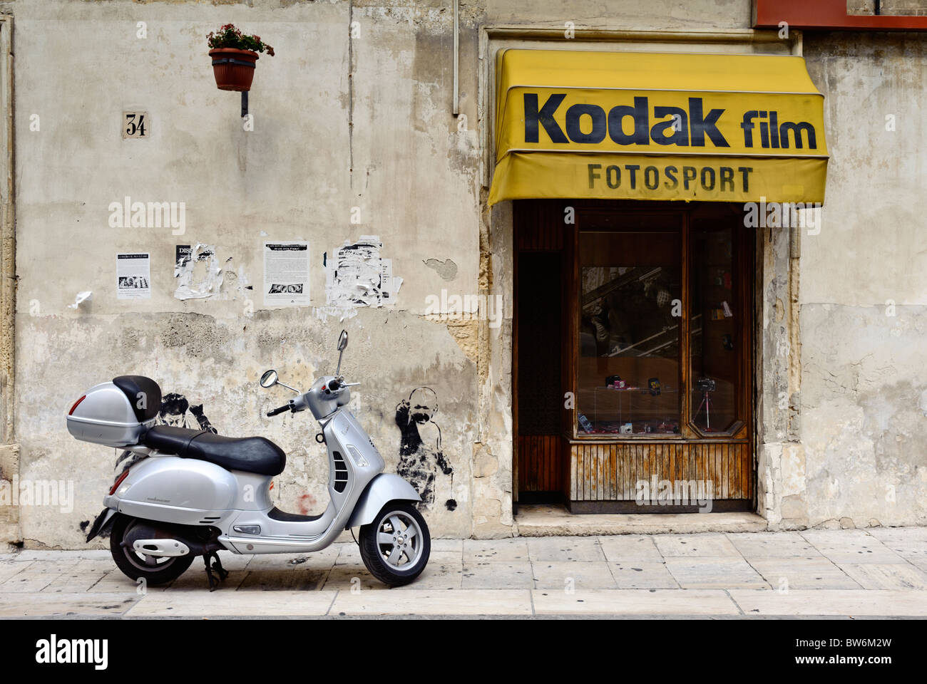 Traditional photographic equipment shop in a street of Lecce, Italy - Stock Image