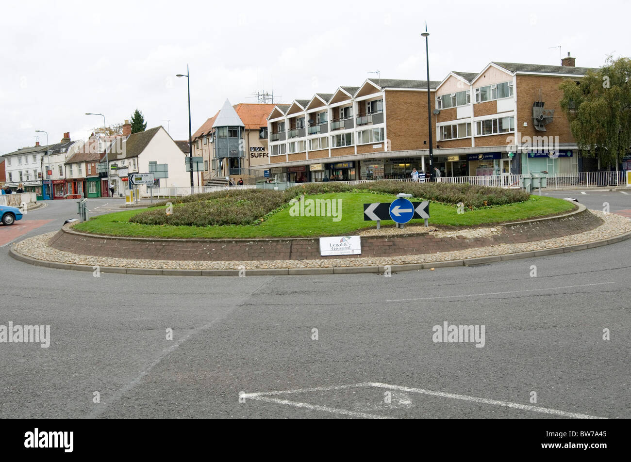 roundabouts roundabout traffic circles roads road junction junctions uk town planning planners planner - Stock Image