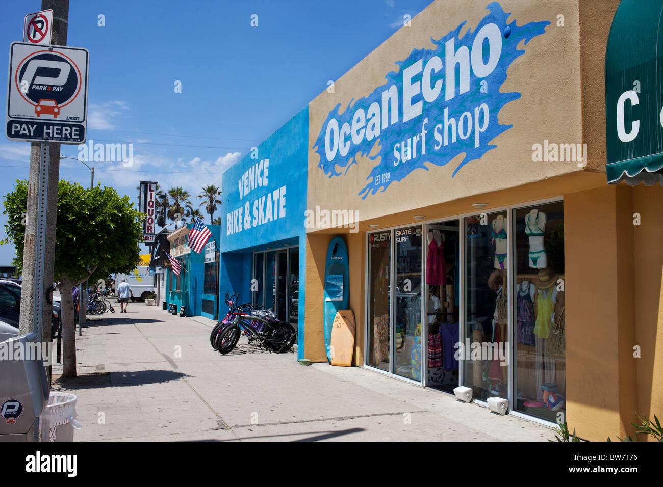 Ocean Echo surf shop in Venice beach California established in 1989 - Stock Image