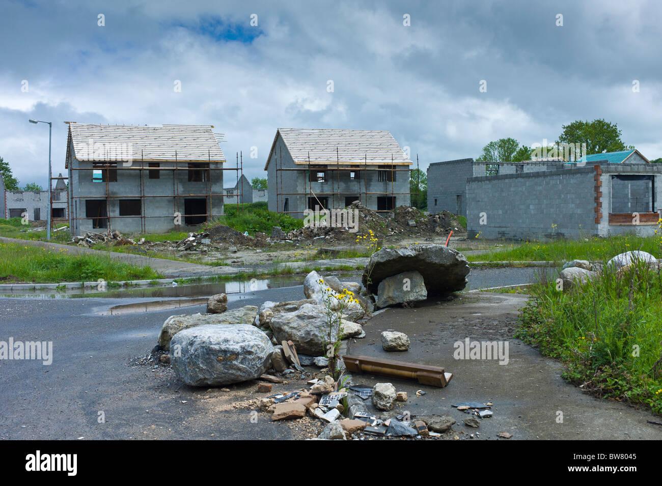 Official End Of The Celtic Tiger: Irish Housing Estate Stock Photos & Irish Housing Estate