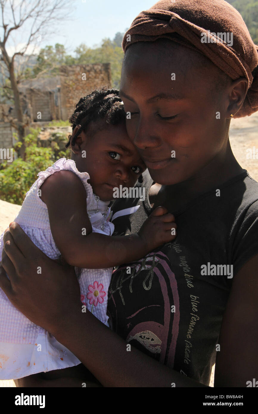 Mother and child, post-earthquake, Port au Prince, Haiti - Stock Image