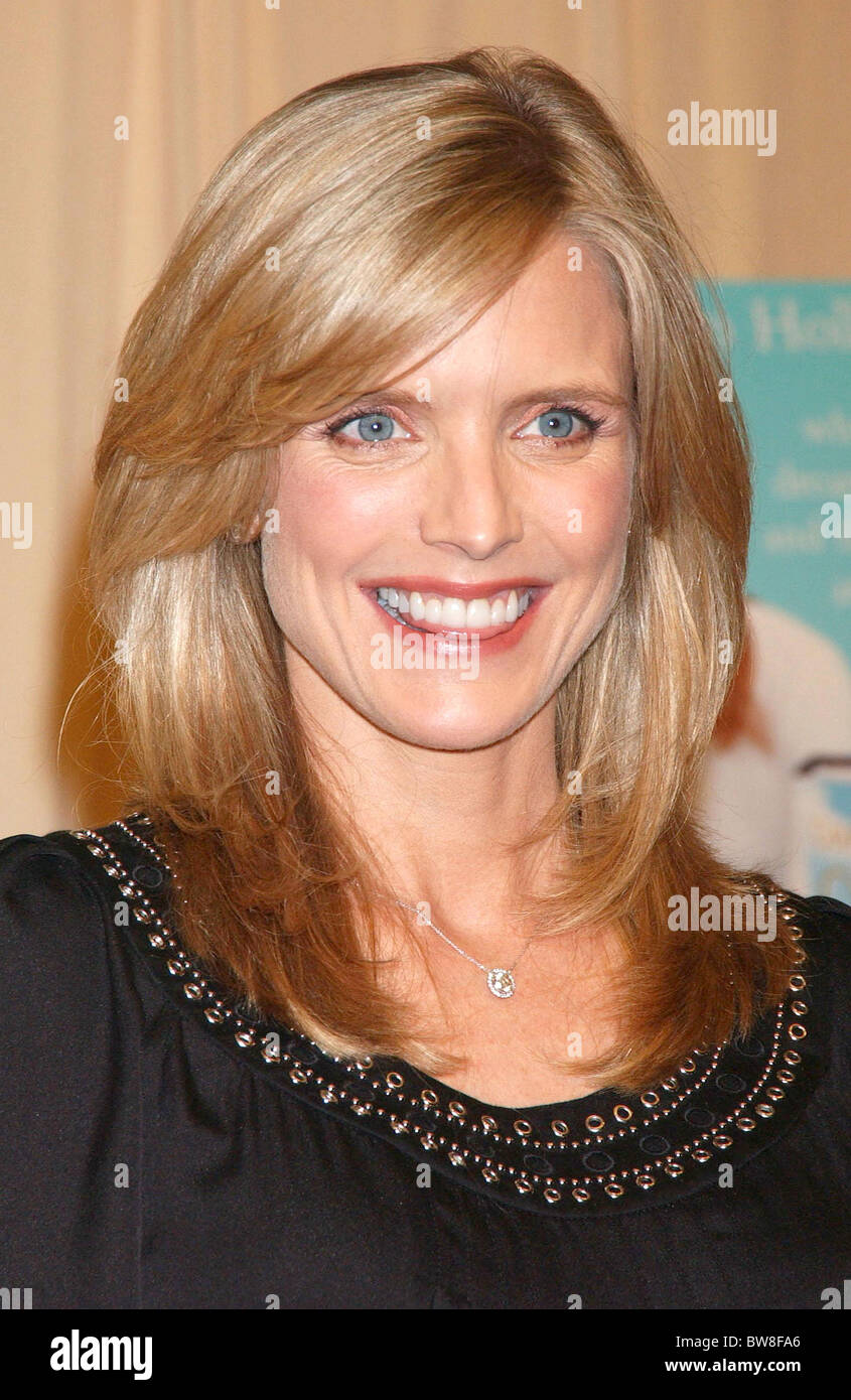 Courtney Thorne-Smith Nude Photos 19