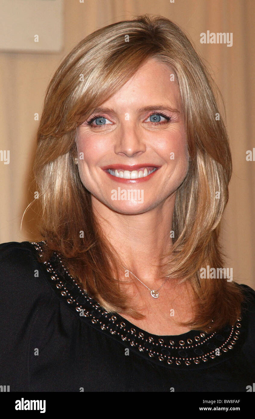 Courtney Thorne-Smith Nude Photos 53