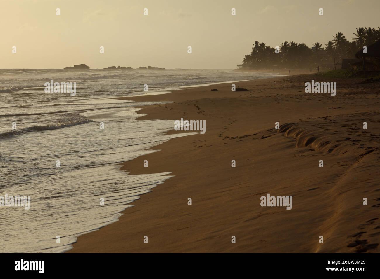 Tropical sunset on ocean. Sri Lanka - Stock Image
