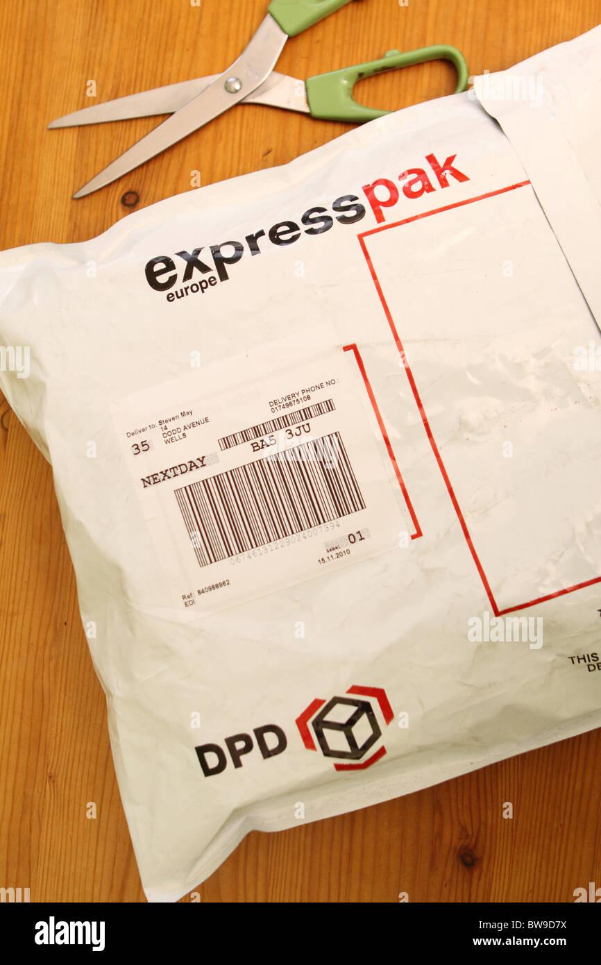parcel carrier stock photos parcel carrier stock images. Black Bedroom Furniture Sets. Home Design Ideas