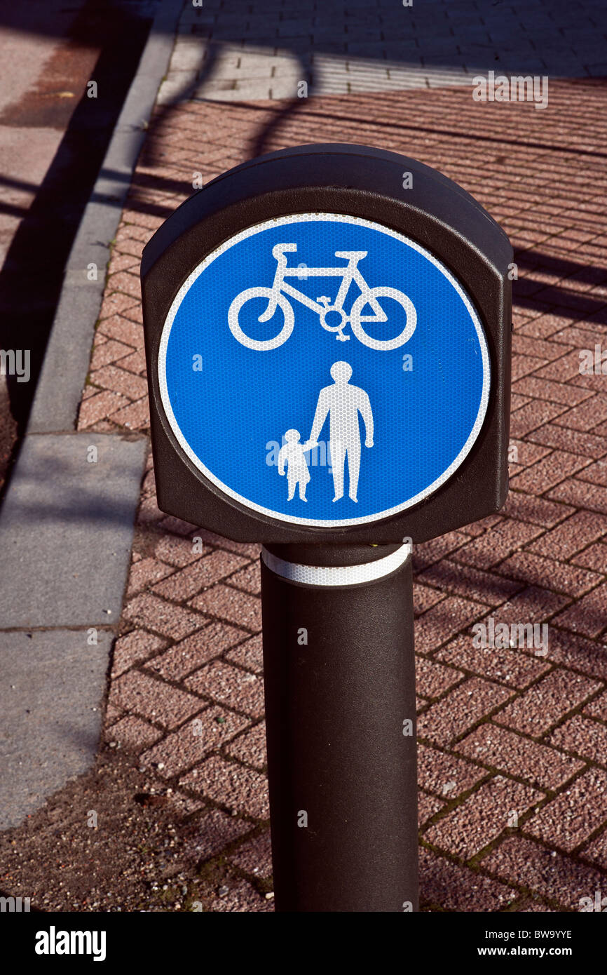 Footpath and Cycle Way sign - Stock Image