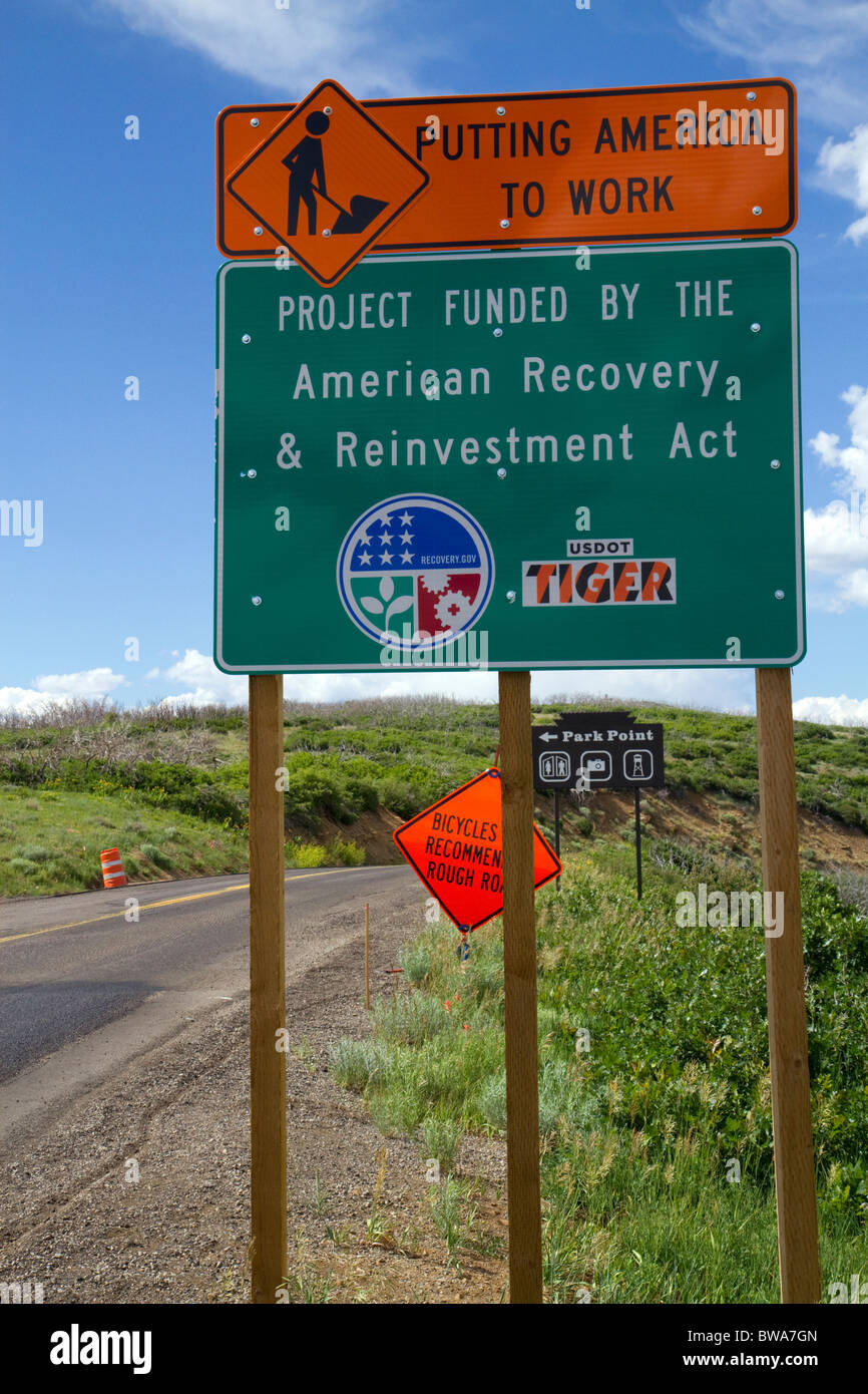 American Recovery and Reinvestment funded road work sign within the Mesa Verde National Park, Colorado, USA. - Stock Image