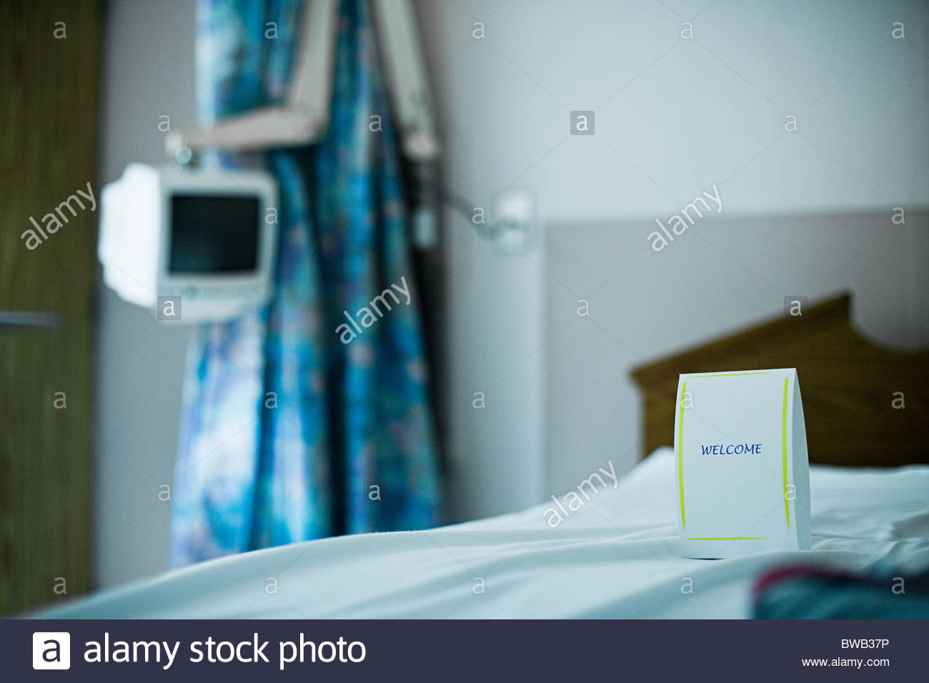 Welcome note on hospital bed - Stock Image
