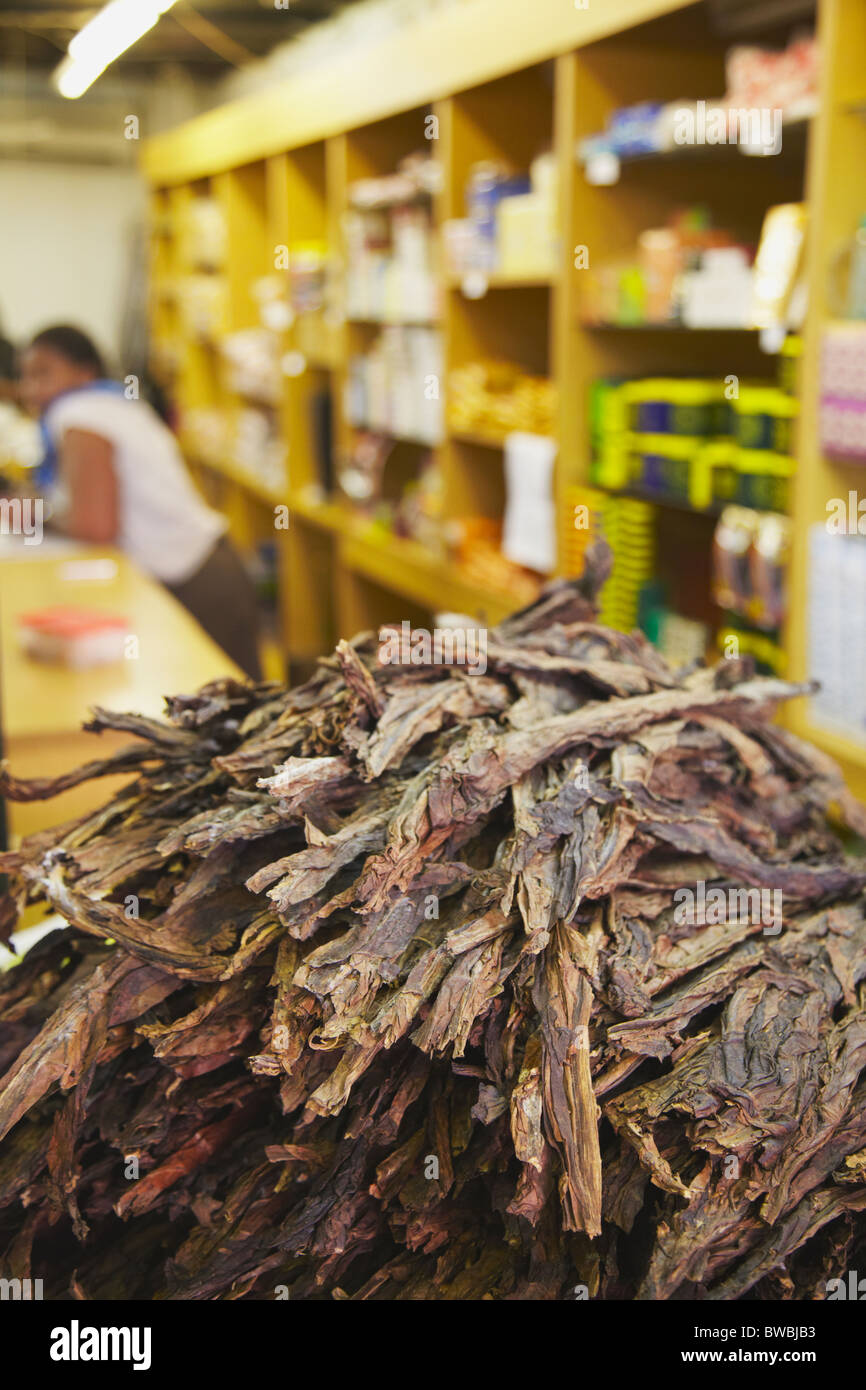 Dried tobacco leaves at Victoria Street Market, Durban, KwaZulu-Natal, South Africa - Stock Image