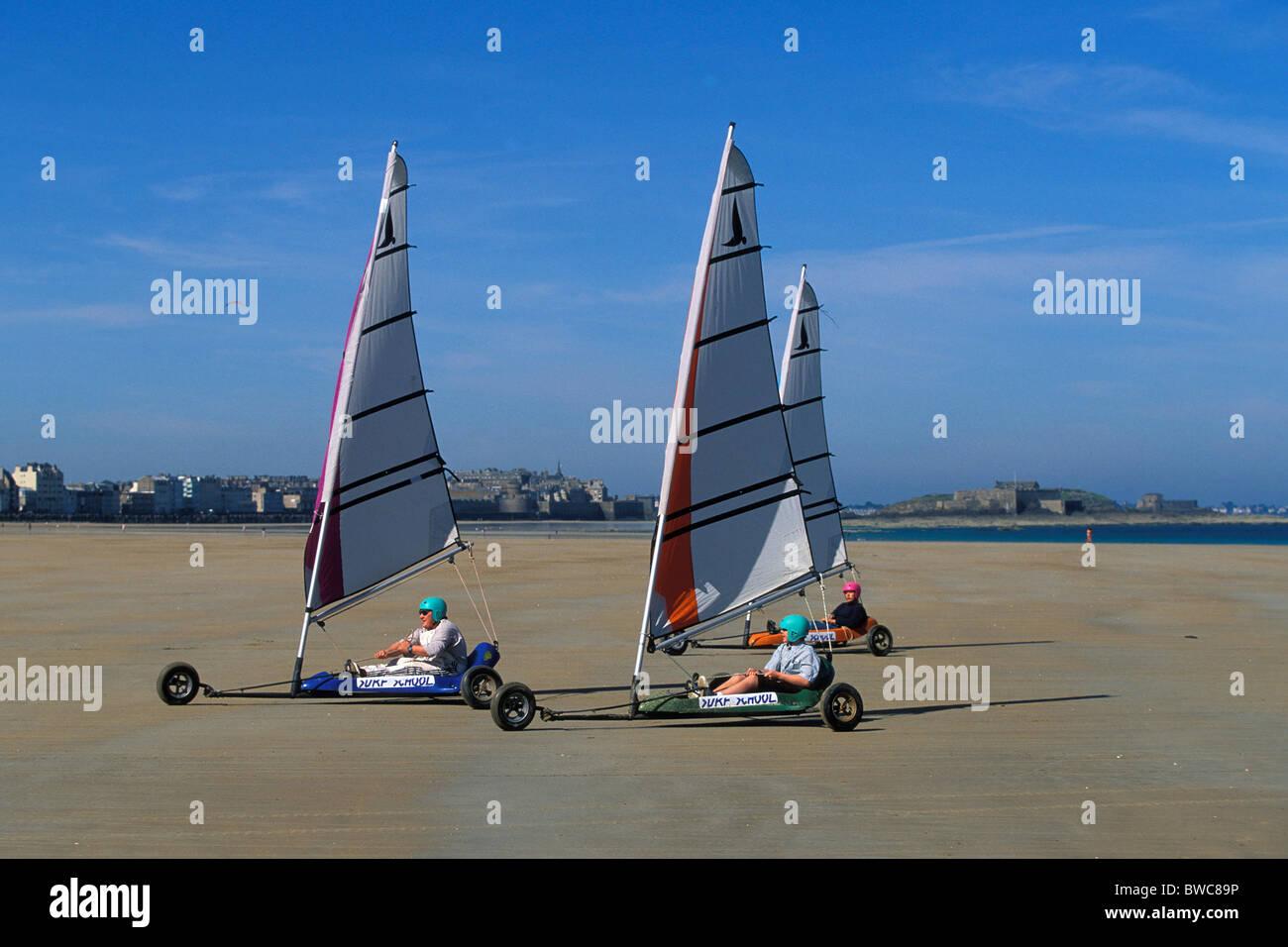 Sail Carting Land Sailing Char A Voile On Le Sillon Beach Stock Photo Alamy