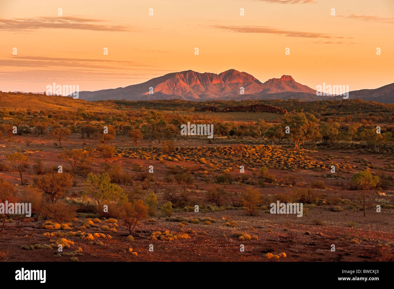 Mount Sonder or Rwetyepme, West MacDonnell Ranges at sunrise. Northern Territory, Australia - Stock Image