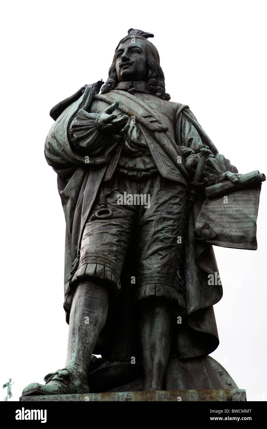 The statue of the artist David Teniers the Younger (1610 - 1690) on the Meir in Antwerp, Belgium. - Stock Image