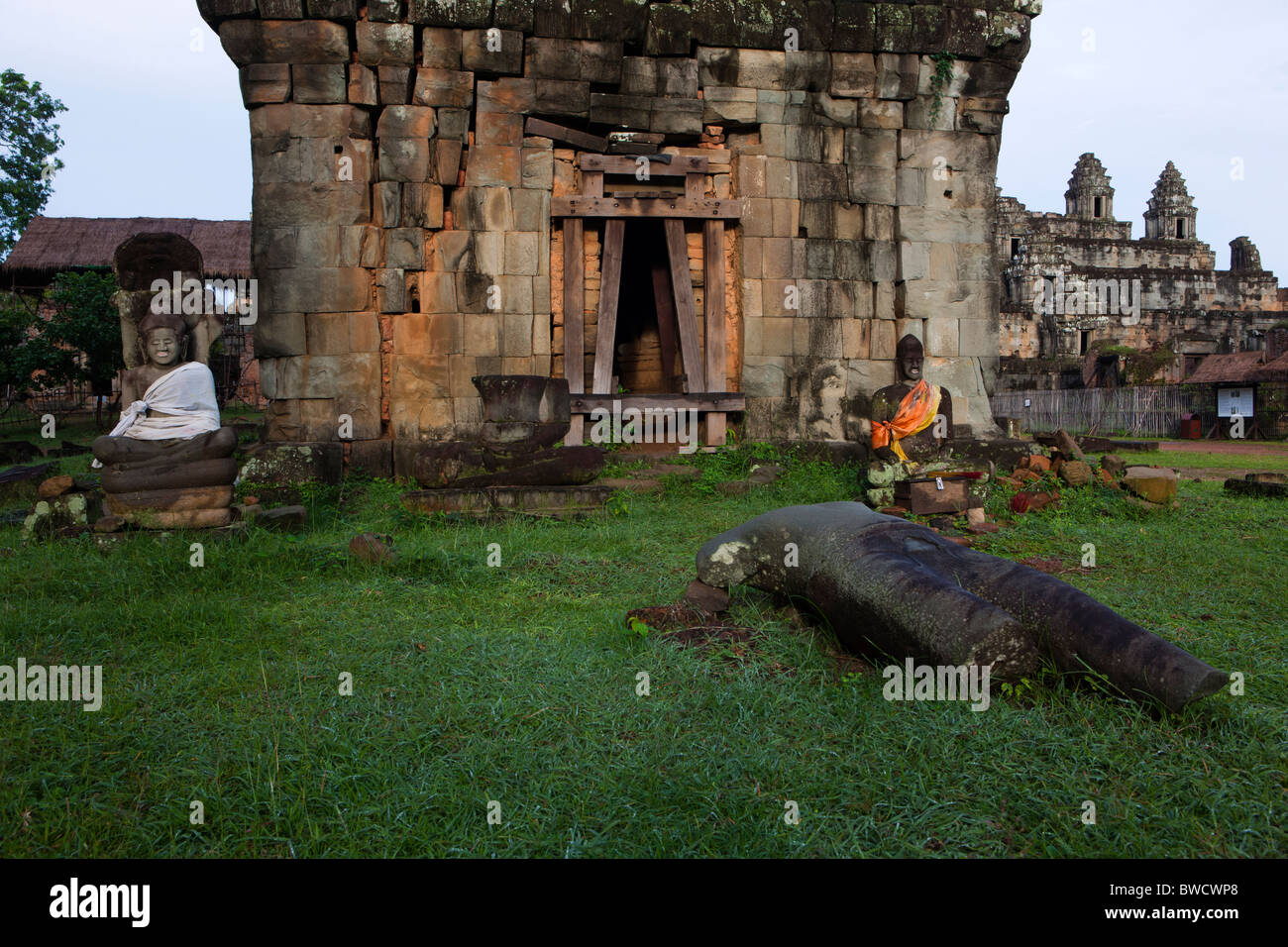 Phnom Bakheng dating from the late 9th and early 10th centuries, Angkor, UNESCO World Heritage Site, Cambodia, Indochina, - Stock Image