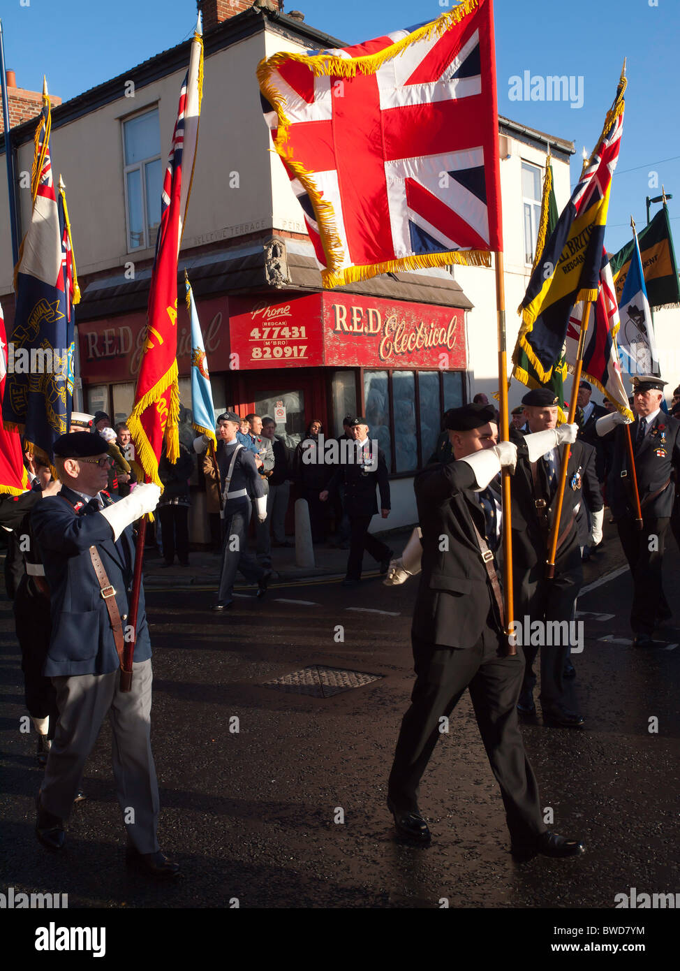 Standard Bearers lead the annual Remembrance Day  Parade from the assembly point in Redcar 14 November 2010 - Stock Image