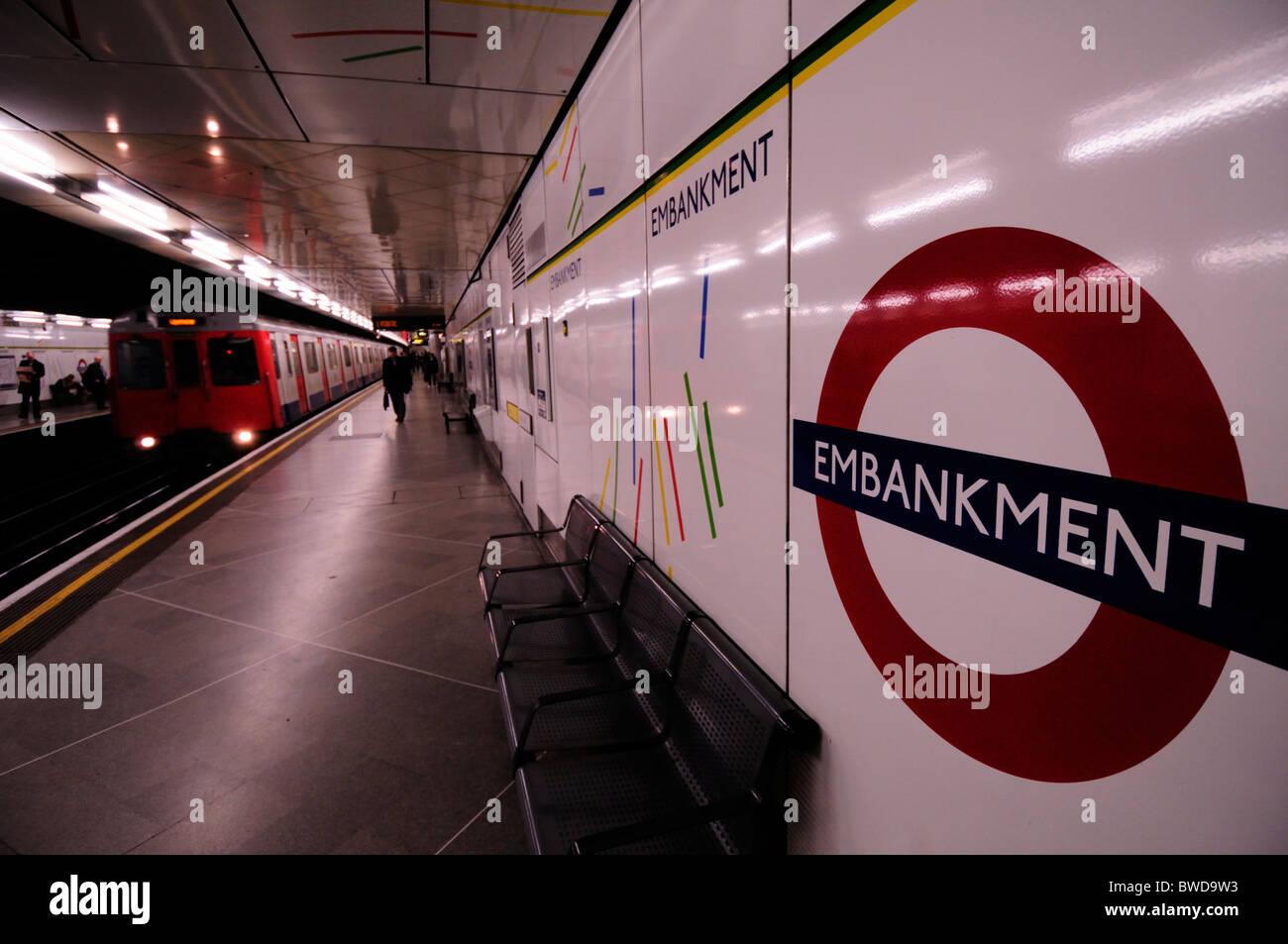 Embankment Underground Tube Station Circle Line Platform, London, England, UK - Stock Image