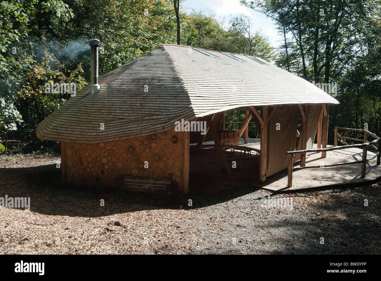 Ben Law's outdoor wooden classroom at the East Meon permaculture centre - Stock Image