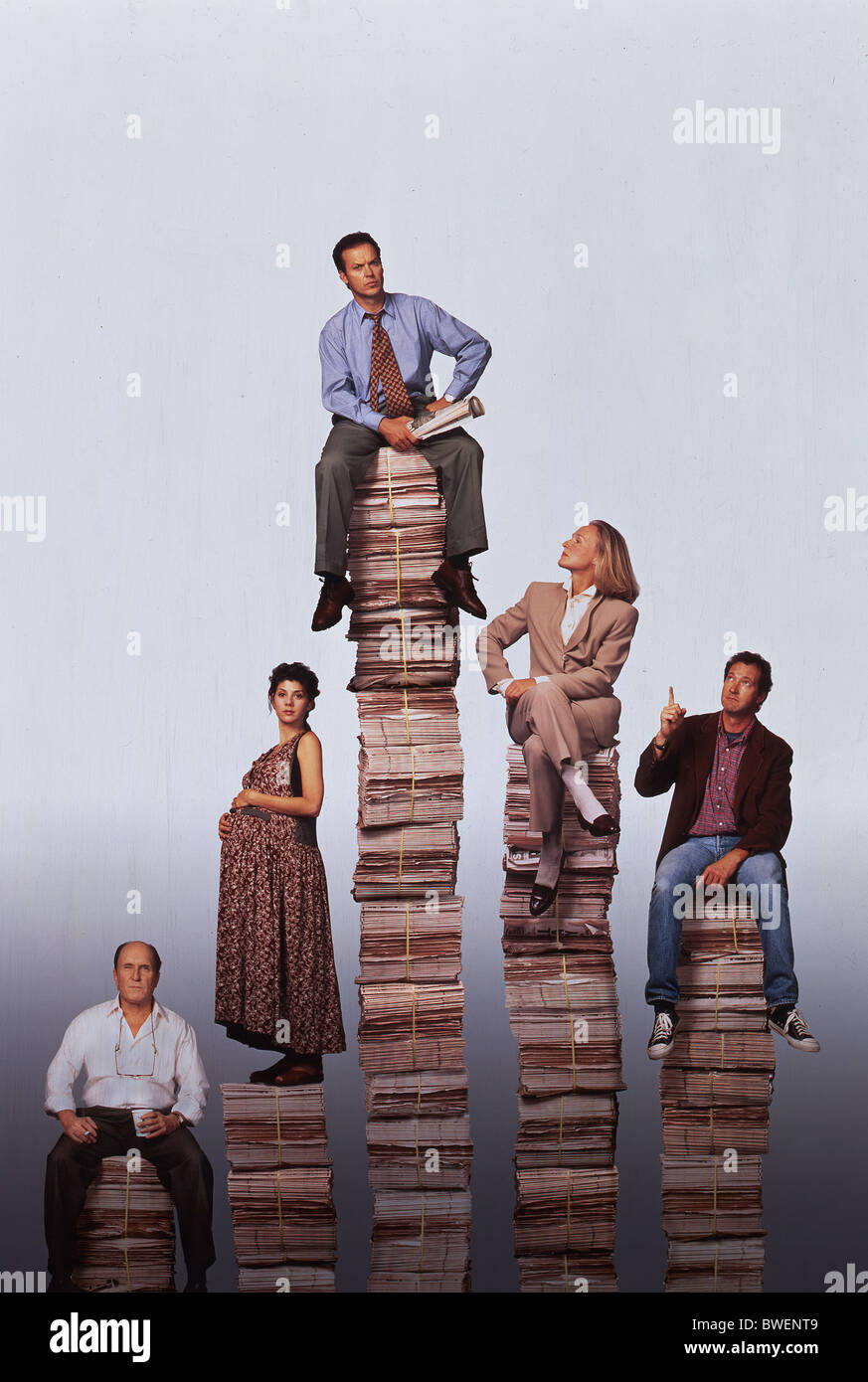 THE PAPER (1994) MICHAEL KEATON, ROBERT DUVALL, MARISA TOMEI, GLENN CLOSE, RANDY QUAID RON HOWARD (DIR) - Stock Image