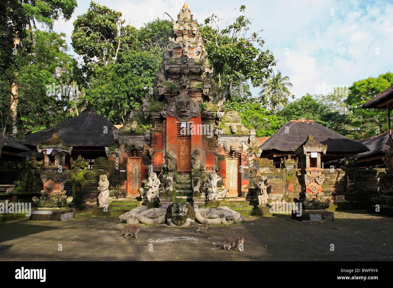Pura Dalem Agung Temple. Sacred Monkey Forest Sanctuary, Padangtegal, Ubud, Bali. - Stock Image