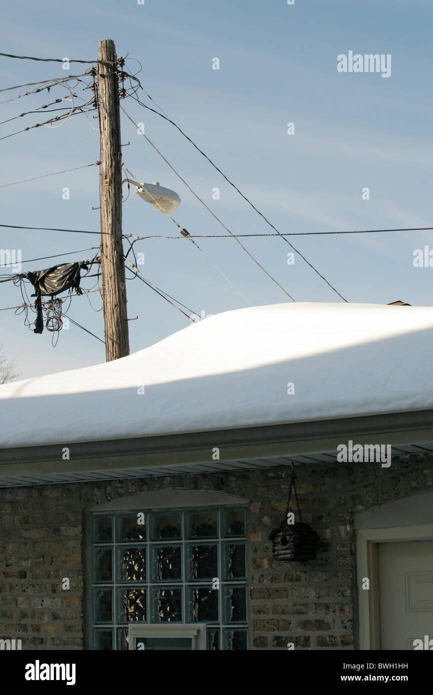 Roof Heavy Snow Stock Photos Amp Roof Heavy Snow Stock