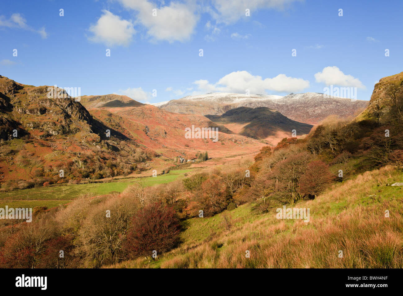 Nant Gwynant, Gwynedd, North Wales, UK. View along the valley to distant Glyder mountains in Snowdonia National Park in autumn Stock Photo