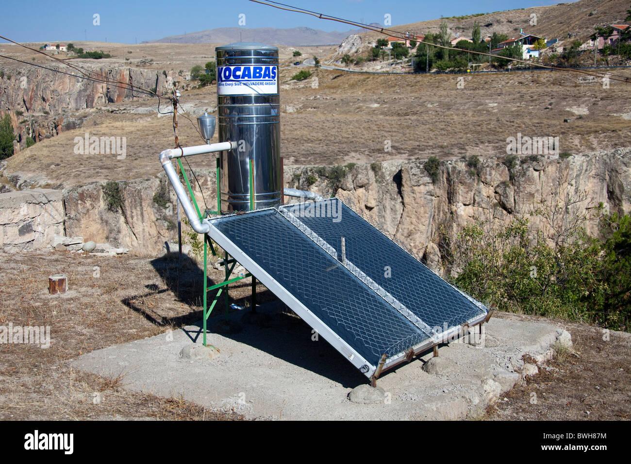 Solar  panels heating water tank in Cappadocia, Turkey 101476_Turkey) - Stock Image