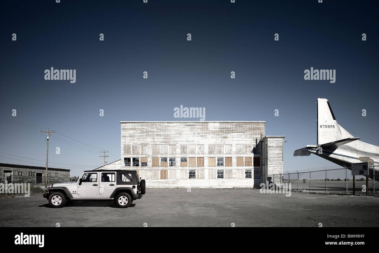 Automotive, Jeep profile static beauty urban environment - Stock Image
