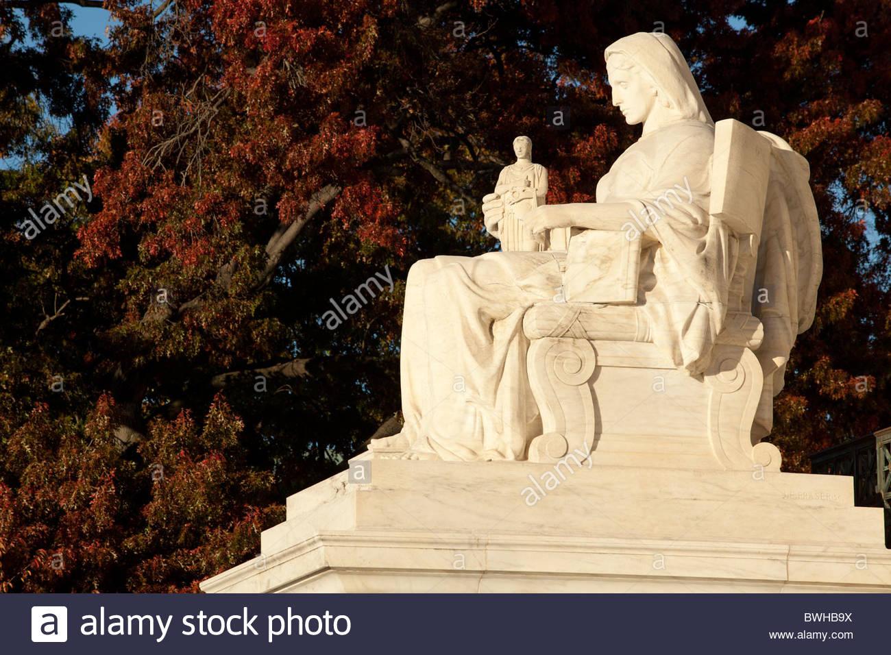 Contemplation of Justice, Supreme Court Building, Washington, D.C., by James Earle Fraser - Stock Image