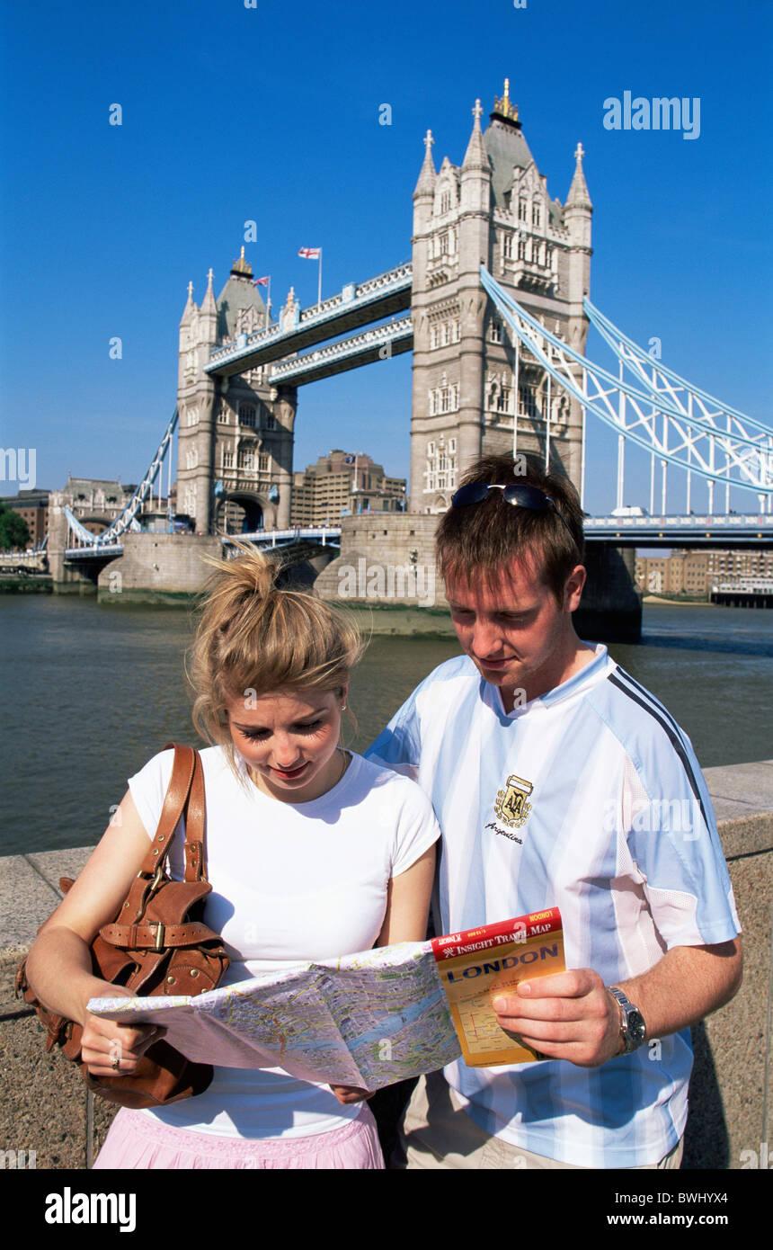 UK Great Britain Europe Britain England Europe London Tourists Tourist Tourist Couple Young Couple Man Wom - Stock Image